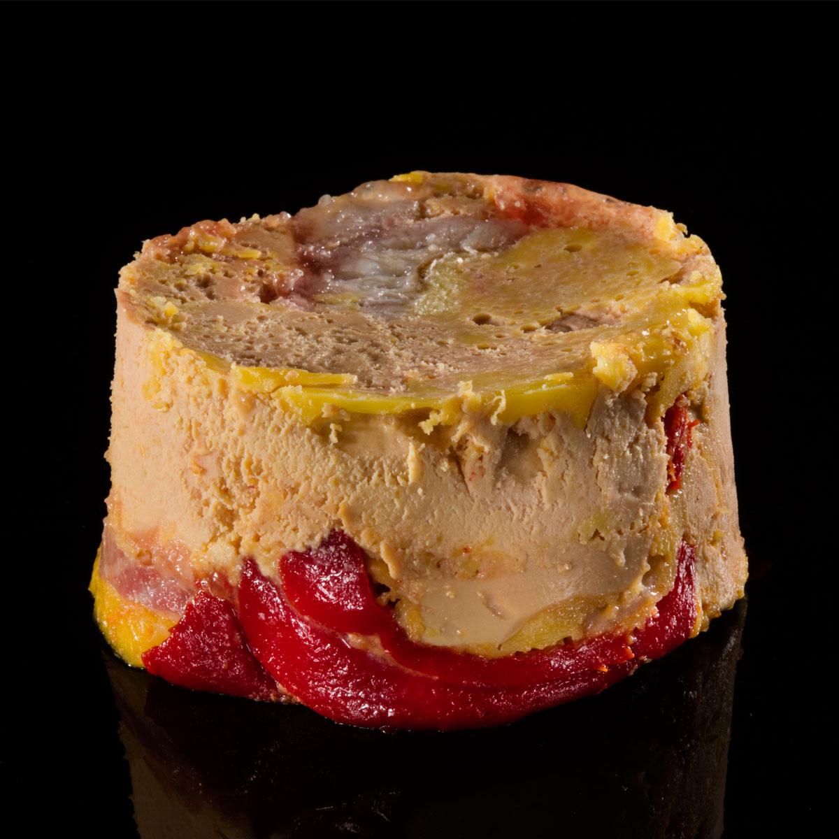 Foie gras mi-cuit con pimiento del piquillo y anguila ahumada